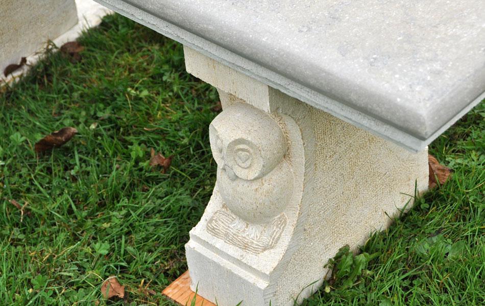 Chouette sur banc en pierre de Buxy - Didier Ridet