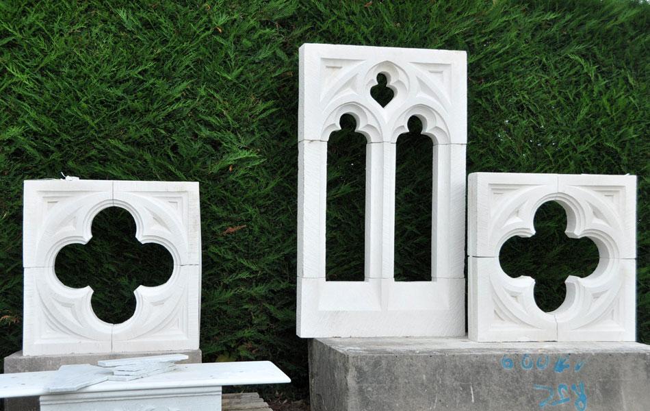 Fenêtre gothique en pierre de Lens - Bourgogne sculpture