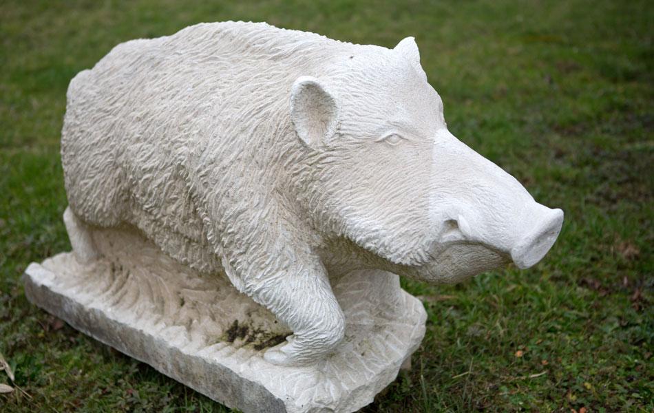 Sanglier en pierre de Massangis - Bourgogne sculpture