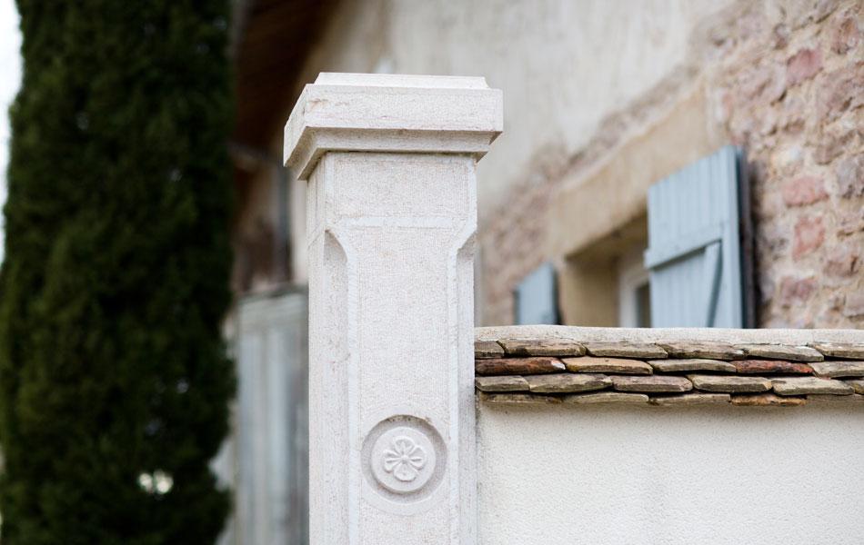 Pilier de portail en pierre - Didier Ridet