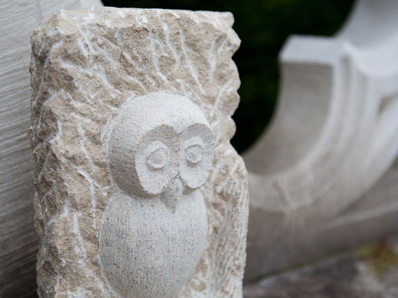 Chouette en pierre de Massangis - Bourgogne sculpture