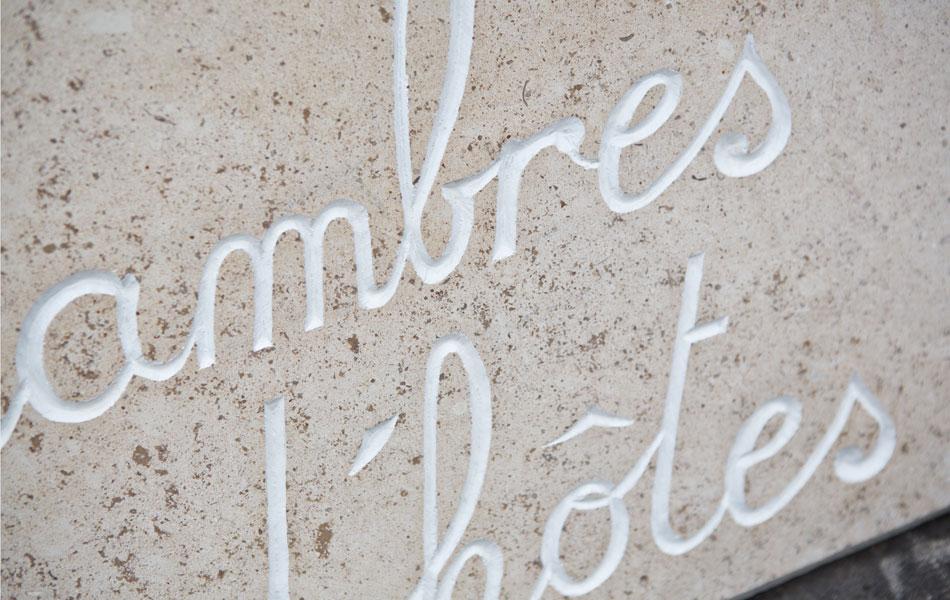 Gravure en pierre de Bourgogne - Bourgogne Sculpture