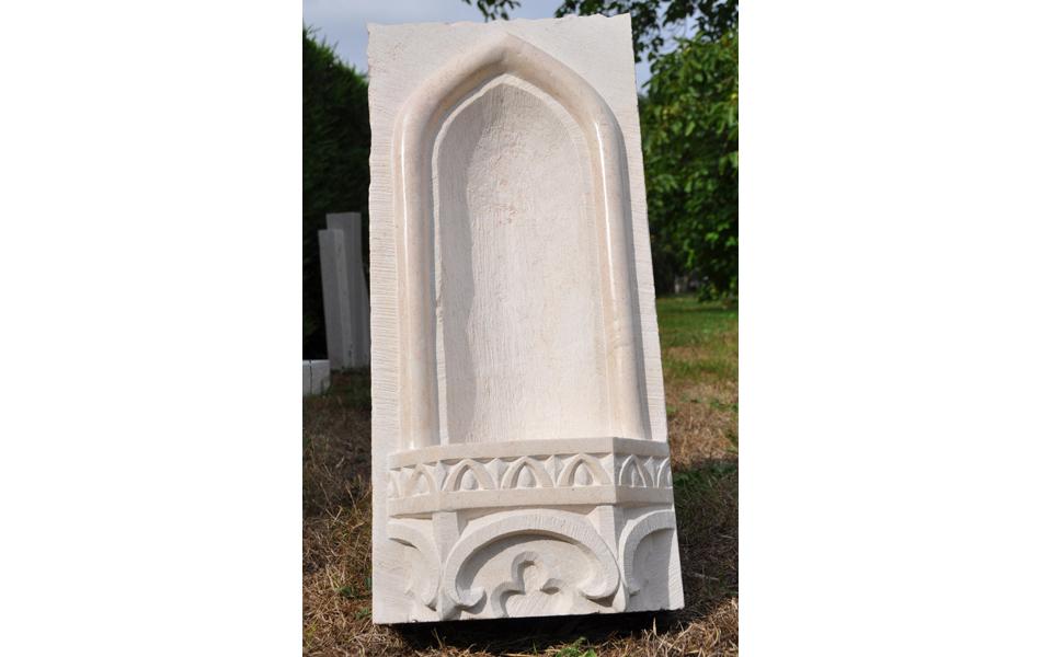 Niche gothique en pierre de Chassagne