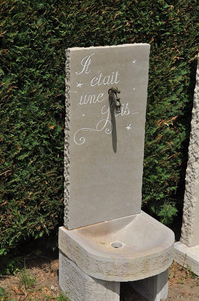 Fontaine en pierre de Buxy