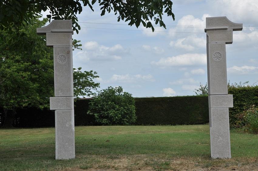 Piliers de portail en pierre de Comblanchien