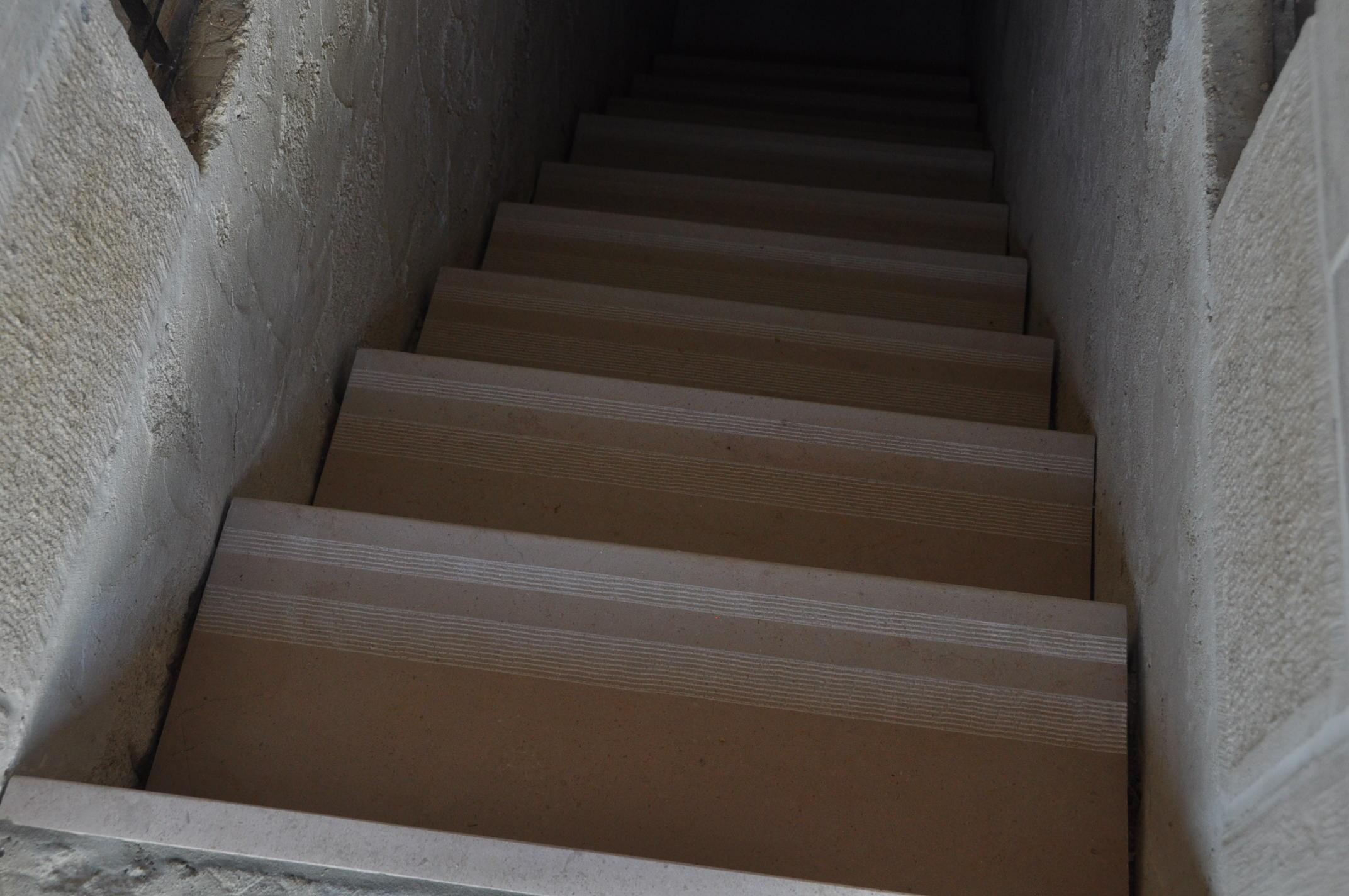 Escaliers en pierre de bourgogne